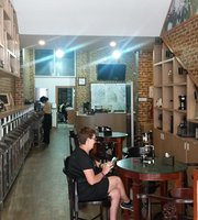 Founan Cafe and coffee rosters