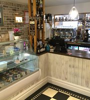 Yalbury & Yvon's Cafe Wine bar