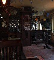 Finbarrs Irish Pub