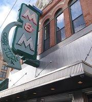 M&M Bar & Cafe