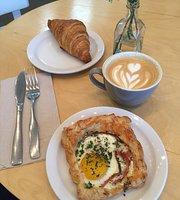 La Finca Cafe & Bureau