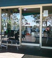 VK's Cafe & Takeaway