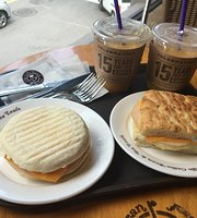 Coffee Bean Ewha Women's University Restaurant