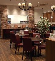 Pom's Grill Kitte Hakata Shop
