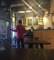 The Lodge Coffee & Eatery