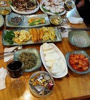 Thousand Years Folk Restaurant