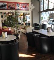 Adesso Bar Bistro und Maranello-Lounge