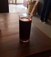 Layu Café