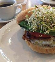 Seven Bays Bouldering Cafe
