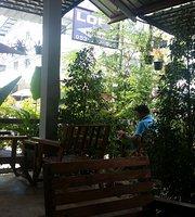 Moom La Moon Cafe