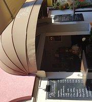 Martinelli Caffe Bar