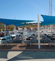 Gate 4 Cafe (Marina)