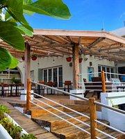 Blu Bistro Cafe
