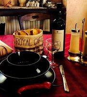 Royal Cafe Caidate