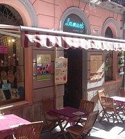 Lamari Internet Cafe