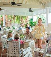 Crusoe's Garden Restaurant at Comfort Suites Paradise Island