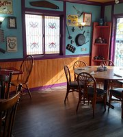 Dads bar and grill/pinecricker cafe