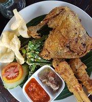 Bebek Joni Restaurant, Ubub
