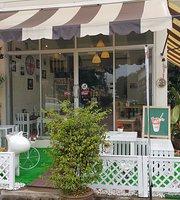 Na Da Cafe Bakery