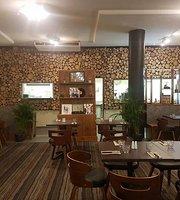 Noshtalgia Cafe Restaurant