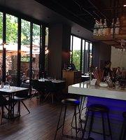 VIZI restaurant & Lounge Bar