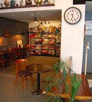 Vintage Shop&Bar