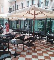 Cafe' Liberty