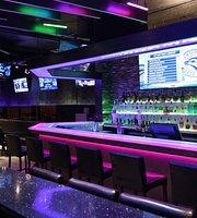 Hybrid Ultra Lounge