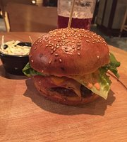 Byuro - Burgers & Bar