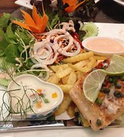 Suanpaak Hug Khun Restaurant