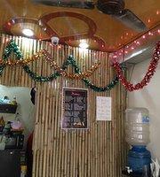 Mantoo's Cafe