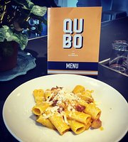 Qubo Restaurant & Bar