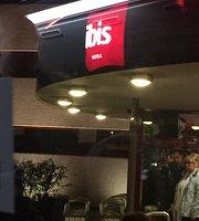 HoteI Ibis Restaurant