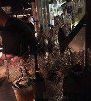 El Ciclista Cocktail Bar