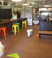 Pet Lovers Cafe
