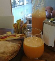 Saavedra Cafe-Resto