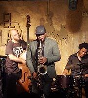 El Plaza Jazz Club