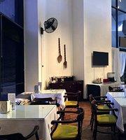 Captain Prada Restaurant