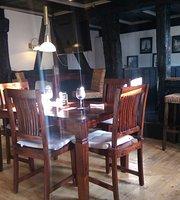Mythos Bar Restaurant Café