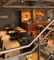 WOODSTONE Pizza and Wine Almere