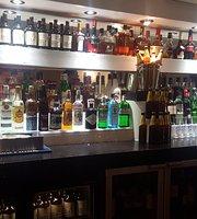 Ishy's Bar Lounge Grill