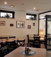 Zvolenka kaviareň-reštaurácia