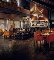 Bistro Bar og Cafe Oset Hoyfjellshotell