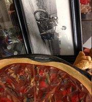 Clara's Pizza