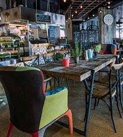 Revo Cafe