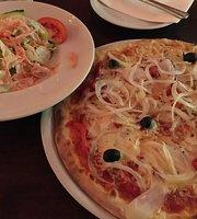 Avanti Pizza Pasta Vino