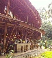 Kapal Bambu Restaurant