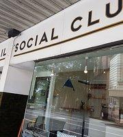 Beaver's Tail Social Club