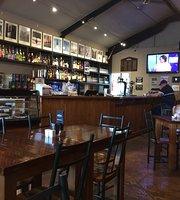 Kelly's Cafe & Bar
