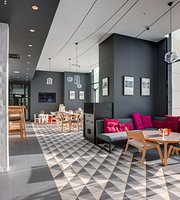 DELI Cafe by AZIMUT Hotels